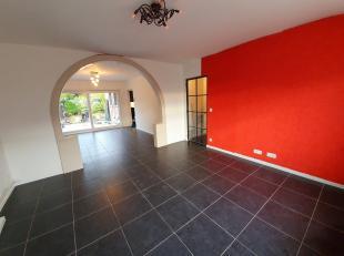 NOG IN AFWERKING<br /> Brugge Assebroek, rustige residentiële ligging <br /> Charmant ruim instapklaar woonhuis met TUIN en 4 SLAAPKAMERS<br /> o