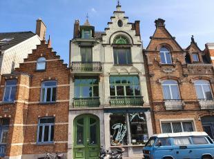 Sint-Andries, vlakbij Smedenpoort MAGNIFIEKE EIGENDOM bestaande uit<br /> PRACHTIG HANDELSGELIJKVLOERS van 180m2 bebouwde oppervlakte met grote zonnig