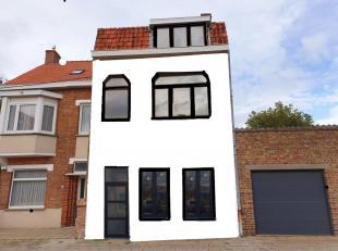 IN OPBOUW  Sint-Kruis Instapklaar woonhuis met TERRAS van 40m²  4 GROTE SLAAPKAMERS<br /> omvat: inkom met gastentoilet, ruime living, overlopend
