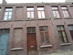 Brugge, zijstraat Smedenstraat <br /> Vernieuwd woonhuis, 2 slpks,koer,c.v<br /> omvat: inkom,bureautje,living,toilet, geïnstalleerde nieuwe keuk