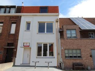Sint-Kruis, dichtbij Brugge centrum, keigoede ligging<br />  winkels, scholen, sportcentra<br /> MODERN TOTAAL VERNIEUWD PRACHTIG WOONHUIS met 3 slpks