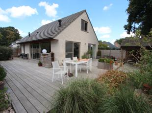 Tussen Brugge enOostkamp, recent gebouwde villa met aangelegde terrastuin met jacuzzi,sauna in Zweedse blokhut, Bbq in oase van rust met volledige pri