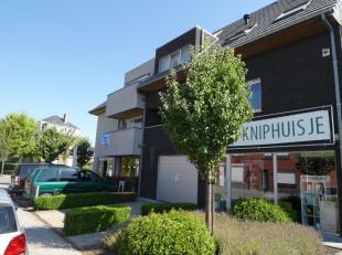 In Bellem, mooie deelgemeente van Aalter, stellen wij een tweeslaapkamer appartement te koop inclusief een ruime berging en dubbele garagestaanplaats.
