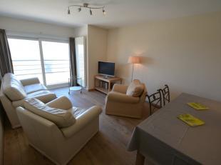Dit appartement met 2 slaapkamers is gelegen op de zesde verdieping van een goed onderhouden residentie en heeft een prachtig zicht op zee en de duine