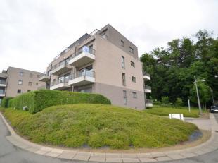 Dit gezellig en lichtrijk appartement is gelegen in het centrum van Aalter, op wandelafstand van het Warandepark. Door de groene omgeving is het zalig
