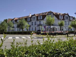 Gemeubileerd appartement op de gelijkvloerse verdieping van een prachtige villaresidentie, op enkele stappen van het Albertplein en de Zeedijk...Samen