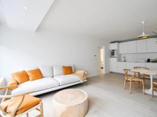 Gerenoveerd appartement met 3 slaapkamers, centraal gelegen tussen de Dumortierlaan en de Kustlaan, op enkele stappen van het Driehoeksplein...<br />