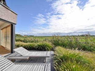 Schitterende, recent gebouwde woning met een prachtig openzicht op de Polders...<br /> De woning bevindt zichin een rustige omgeving aan de rand van h