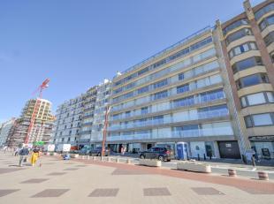 2-slpk Appartement, gelegen op Zeedijk Zoute, vlakbij het Albertplein, met frontaal zeezicht...<br /> Samenstelling: Inkomhall met gastentoilet en ves