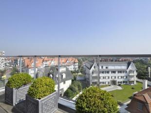 Penthouse met uitzonderlijk groot terras en adembenemend zicht op het Zoute, gelegen op de Kustlaan, tussen het Driehoeksplein en het Albertplein...<b