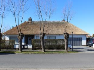 """Ruime villa in het centrum van Knokke nabij de prestigieuze wijk """"Eglantier"""".<br /> Een zeer rustige en groene omgeving.<br /> Indeling: inkomhal met"""