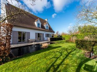Charmante, alleenstaande villa met 3 slpk. op een grond van 896m² gelegen in een aangename rustige residentiële buurt te Westkapelle op slec