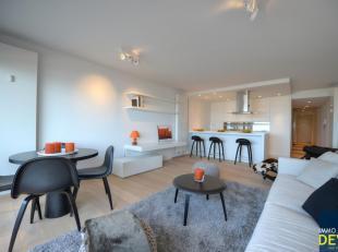 Prachtig vernieuwd en instapklaar appartement met 3 slaapkamers op de ZEEDIJK  ter hoogte van het Rubensplein. Parking te koop in de residentie.<br />