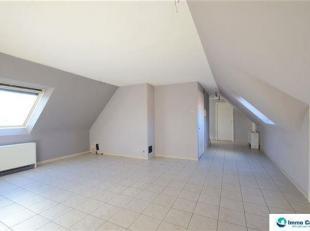 In deze kleinschalige residentie bieden wij u vanaf heden dit gezellig appartement aan.  Dit appartement beschikt over een leuke indeling en geniet ee