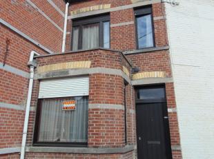 Deze woning is goed gelegen met een goede verbinding richting het centrum en dicht bij het Astridpark. <br /> <br /> Indeling: <br /> inkomhal met ves