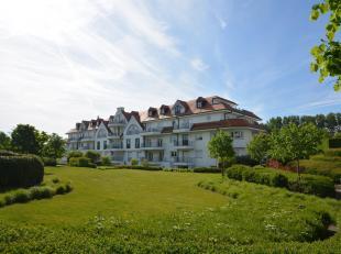 """Zeldzaam luxueus appartement in een prestigeuse residentie in het hartje van Het Zoute, in het zeer exclusieve domein """"Tennis Gardens"""" - een priv&eacu"""
