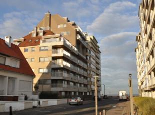 Autostaanplaats op niveau -2 in een zijstraat van de zeedijk tussen het casino en de zeilschool van Duinbergen.