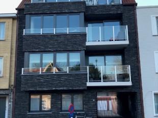 Gesloten garagebox te huur in de Meerlaan, t.h.v. het school. Garage gelegen op gelijkvloers en makkelijk te bereiken. Voor meer info: 050/60.17.82