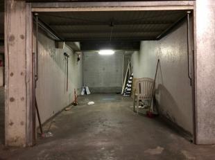 """Gelegen in residentie Pentagon, naast glacier """"La Poste"""" aan het Albertstrand.<br /> Deze gemakkelijk toegankelijke box met afmetingen: 7.2m x 2.8m le"""