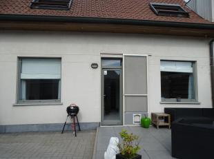 Prachtige gerenoveerde woning centraal gelegen te Oud-Knokke. Deze woning is gelegen aan de rand van het centrum en heeft verschillende mogelijkheden.