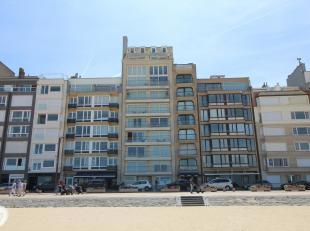 Exclusieve duplex penthouse op de 8ste en 9de verdieping gelegen op de Zeedijk-Het Zoute vlakbij het Albertplein. Indeling: 8ste Verdiep: Ruime woonka
