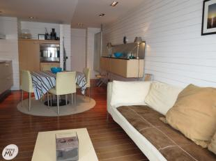 Gemeubeld & functioneel vernieuwd appartement gelegen in de Leopoldlaan op 50 meter van de Zeedijk.<br /> Indeling: woonkamer met open ingerichte