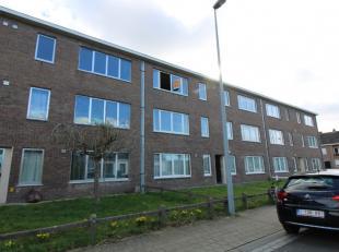 Dit appartement is rustig gelegen aan de rand van Sint-Kruis (Male). Gelegen op de 2e verdieping. Achteraan het gebouw is een garagecomplex, hier is 1