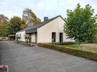 In Balgerhoeke, op de grens met Adegem/ Eeklo staat deze zéér goed gelegen bungalow, rustige buurt maar toch dicht bij de oprit E34 en o