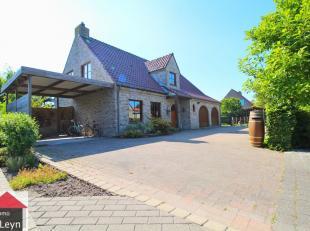 Deze ALLEENSTAANDE villa met onderhoudsvriendelijke TUIN en DUBBELE garage is heel rustig en toch uiterst centraal gelegen!<br /> Perfect instapklaar!