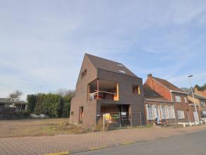 Bekijk hieronder een 360° rondleiding in de woning:<br /> <br /> <br /> <br /> Dit moderne en strakke nieuwbouwgebouw is gelegen te Beernem nabij