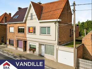 Deze volledig gerenoveerde 4-slaapkamerwoning is gelegen te Maldegem, nabij de Nederlandse grens en het Leopold- en Schipdonkkanaal.De woning werd vol