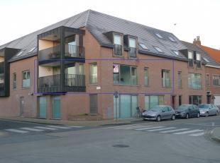Op de hoek van de Vissersstraat en de Legeweg in het centrum van Moerkerke bevindt zich dit nieuwbouwappartement met 2 slaapkamers. Dit mooi apparteme