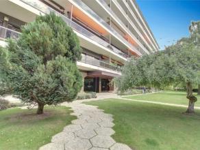 Situé dans un cadre agréable et arboré, nous vous proposons un superbe appartement 2 chambres situé au 7ème &eacute