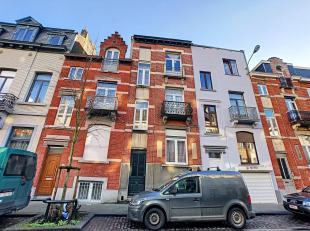 Immeuble de Rapport à vendre composé comme suit: Demi-sous-sol (+/- 50 m²): une salle à manger, salon, cuisine équip&