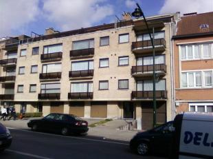 Buurt Pagodes (tegenover Maria Assumpta lyceum), een mooi appartement op de eerste verdieping beschikbaar vanaf 15 maart. Als volgt samengesteld:<br /