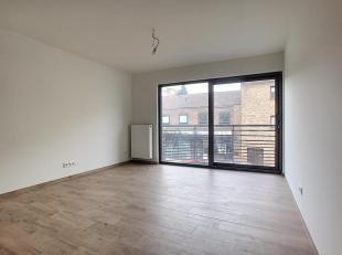 """Gelegen in de wijk """"DeWand"""", bekend om zijn winkels en openbaar vervoer, bieden wij een prachtig appartement van + - 73,5 m², twee slaapkamers, E"""