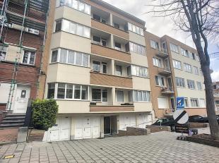 """Dicht bij """"Heizel"""" en openbaar vervoer, zeer mooi appartement met 2 slaapkamers van 90m ², gelegen op de 2de verdieping, grote woonkamer 33m &sup"""