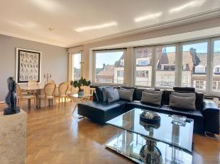 """Gelegen in het gewilde gebied """"Pagodes"""", bieden wij een prachtig luxe appartement met + - 147 m² woonoppervlak met 3 grote slaapkamers, twee badk"""