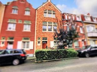 """200 meter vanuit """"Dumont plaats"""" (Stockel): prachtig en licht huis met +/- 129 m²  bewoonbaar oppervlakte, als volgt samengesteld: gelijkvloers:"""