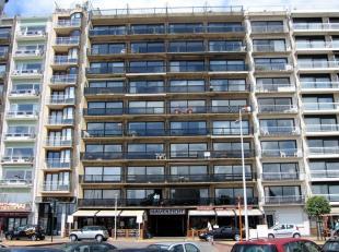 Niet gemeubeld, gerenoveerd appartement gelegen aan de haven van Blankenberge, zonnekant, op het 7° verdiep.