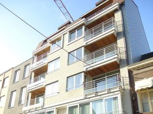 Recent appartement gelegen in het hartje van Blankenberge, de Kerkstraat, de hoofdstraat, het volle stadscentrum, tussen station en strand, boven de S