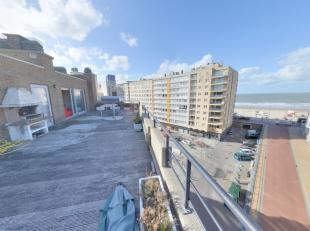 Uitermate centraal gelegen penthouse (Casinoplein) met subliem zeezicht. Dit penthouse beschikt over een prachtig terras dat U 100% laat genieten van