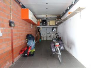 Garagebox aan de haven van Blankenberge. Lengte: 6m Breedte: 2m35 Hoogte: 2m50Elektriciteit aanwezig.