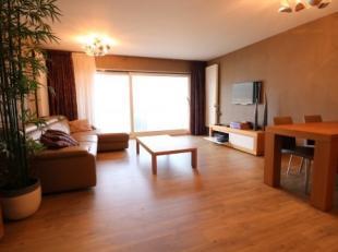 Recent, gemeubileerd appartement met 2 slaapkamers en terras op de zeedijk van Blankenberge. Dit appartement bevindt zich op de 6e verdieping van de r