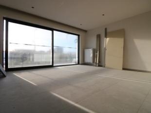Drie prachtige nieuwbouwappartementen met één slaapkamer en terras aan de haven van Blankenberge. Huurprijs: 1e verdiep: 700 EUR + 50 EU