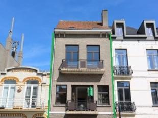 Gerenoveerde meergezinswoning met nieuwe keukens, badkamers, meerdere slaapkamers,... in het centrum van Blankenberge (op 50m van de Grote Markt).