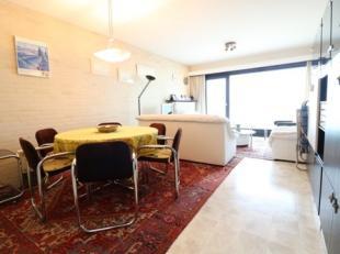 Instapklaar appartement met 2 slaapkamers en terras op de zeedijk van Blankenberge. Dit appartement bevindt zich op de 7e verdieping van de residentie
