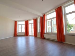 Zonnig appartement met 2 slaapkamers op de eerste verdieping. Dit appartement bevindt zich op wandelafstand van de haven en de Grote Markt. Dit appart