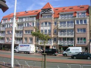 Handelsruimte te huur in Residentie Tennis Garden op topligging nabij de Jachthaven. Naast de handelsruimte zijn ook een dubbele garage en een enkele
