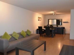 Hedendaags en modern 2-slaapkamerappartement, voorzien van een ruime leefruimte met open keuken, badkamer met dubbele wastafel, afzonderlijke doucheka